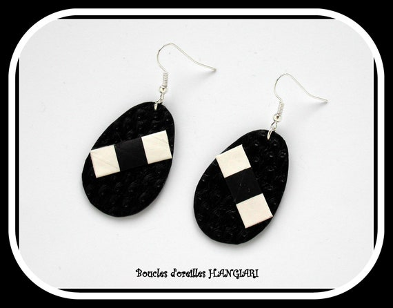 Collection # drops #: Large drops, drop earrings, black ostrich skin leather, black and white graphic pattern