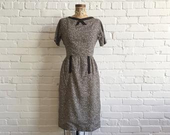 1950s L'Aiglon Mid Century Print Dress // 50s Black and Grey Patterned Dress // Vintage 1950s Sheath Dress