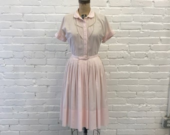1950s Pink Fit and Flare Dress  // 50s Lace Insert Pale Pink Day Dress // Vintage 1950s Tailored Junior Dress