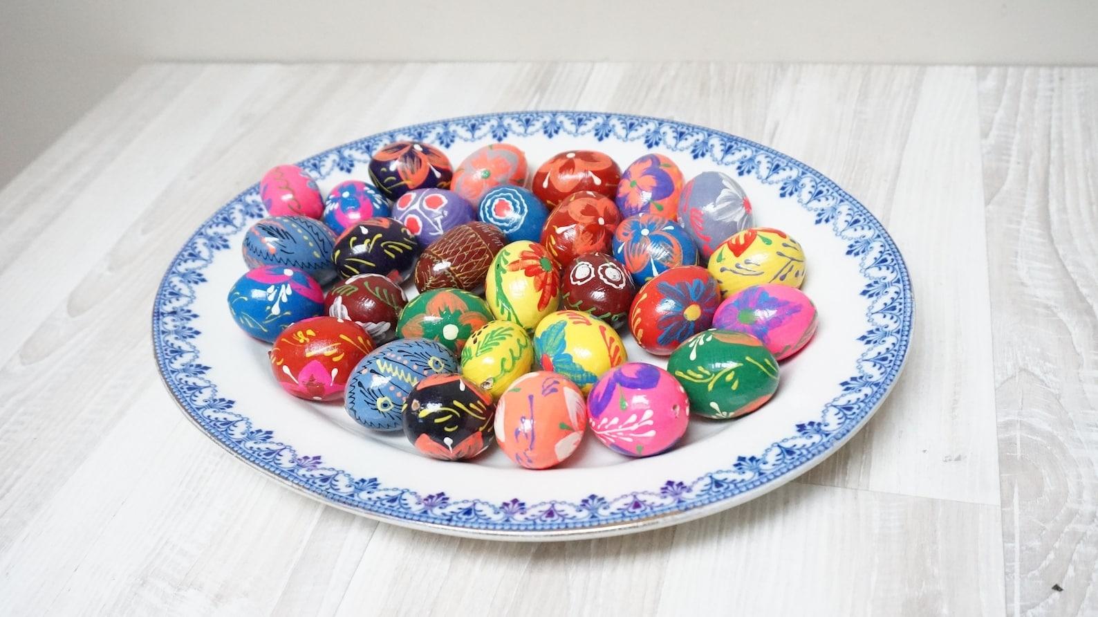 10 small random German Erzgebirge hanging Easter figurines eggs egg spring Vintage ornaments wooden Retro made in Germany set lot DDR blue
