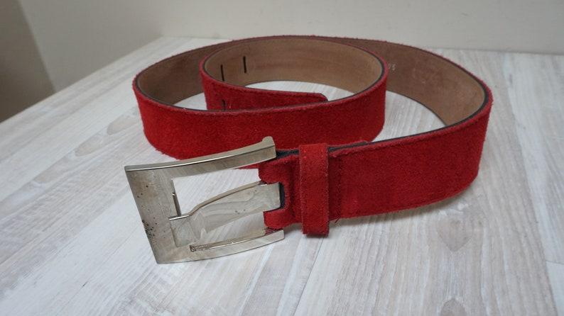 c2657032e7947 Croute de cuir rouge daim ceinture Français vintage en cuir | Etsy