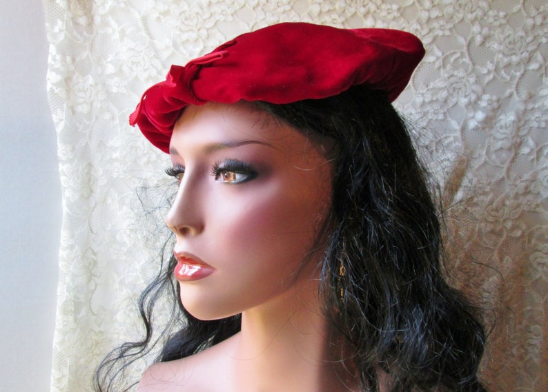 2e82e70cec44f Red Velvet Beret Tam Vintage Lady Hat Mad Men Gatsby Flapper