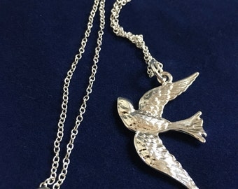 Vintage Style 925 Flying Swallow Bird Pendant
