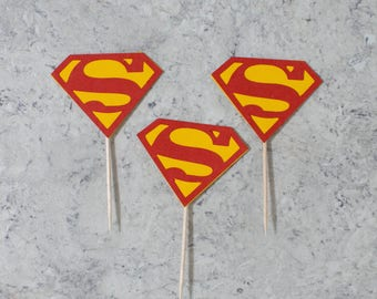 Superman cupcake toppers; Super hero birthday party