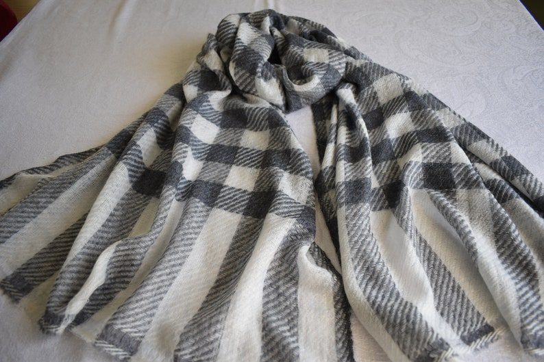 Merino/Cashmere hand-loomed Scarf for Women or Men in a image 0