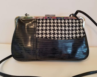 Vintage black and white purse. Lots of great features. La Gioe di Toscana designer  bag. Shoulder bag with marching change purse bddb1799fc2bf