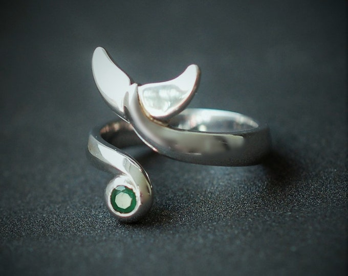 Whale tail ring, silver and emerald, torque ring, whale fluke ring, high quality rhodium coated solid silver, UK finger size M, US size 6
