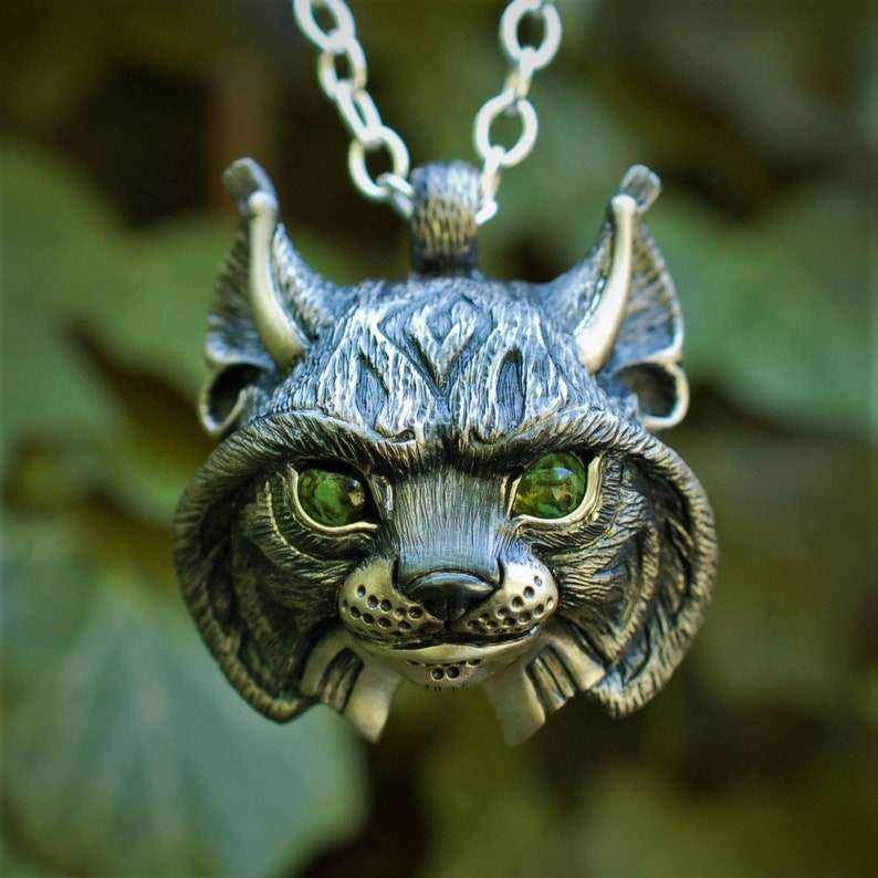 Lynx Necklace sterling silver lynx head pendant with peridot image 0