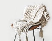 Chunky throw blanket ⨯ The Tabasse ⨯ in CREAM