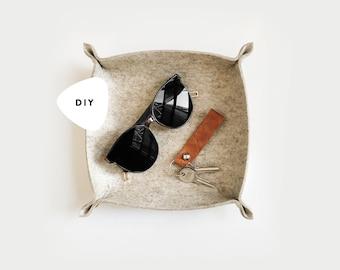 DIY PATTERN ⨯ Felt valet tray for keys, jewelry, crafts  ⨯ The Felt Tray