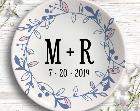 Personalized Wedding Ring Dish - Wedding Gift - Engagement Gift Ring Holder - Jewelry Dish - Jewelry storage - Bridal Shower Gift - Trinket