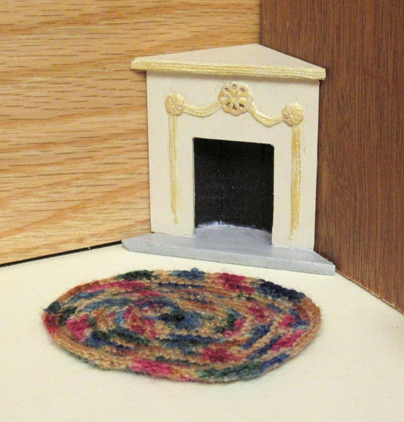 Miniature 1:24 Scale Old-fashioned Rag Rug Hand