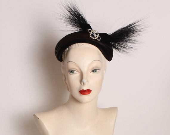 1940s 1950s Black Velvet and Egret Feather Rhinestone Detail Formal Hat