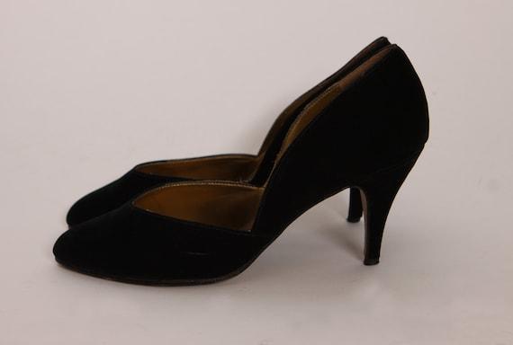 1980s Black Velvet High Heel Pump Shoes Heels by Frederico Leone -Size 7 1/2