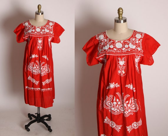 1970s Red and White Embroidered Floral Spanish Puebla Short Sleeve Dress -L