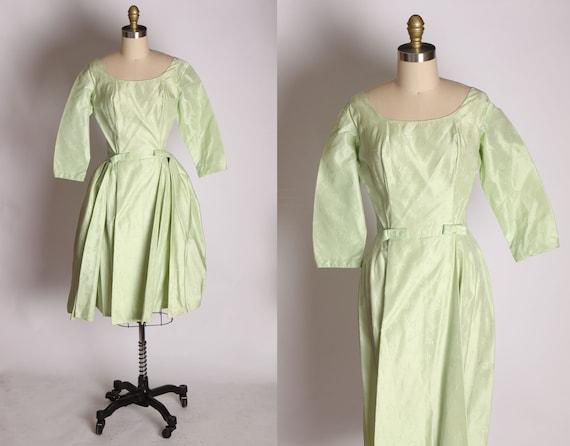 1950s Mint Green Taffeta Floral Print Brocade Dre… - image 1