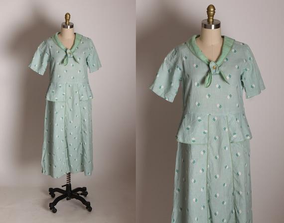 1930s Mint Green Blue and Cream Short Sleeve Bow Neckline Peplum Waist Diamond Shape Feedsack Dress -M