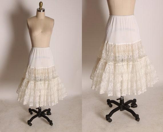 1950s Nylon and Cream Sheer Lace Lingerie Crinoline Petticoat -M