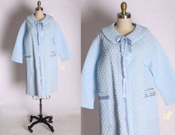 Deadstock 1950s 1960s Light Blue Quilted House Coa