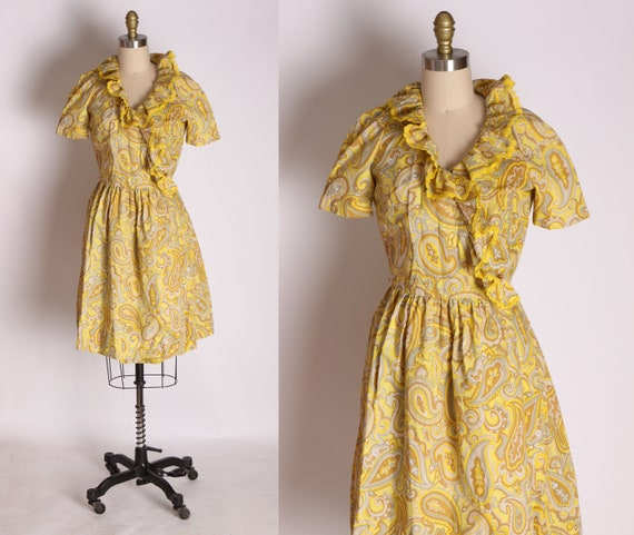 1960s Mustard Yellow and Tan Paisley Print Ruffle… - image 1
