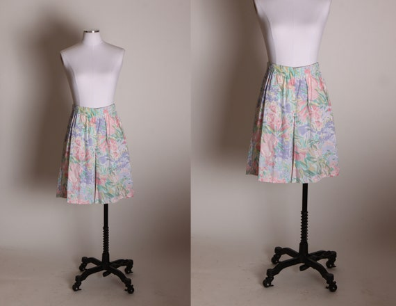 1980s Pink, Purple and Light Green Floral Pastel Elastic High Waisted Shorts by Alfred Dunner -L