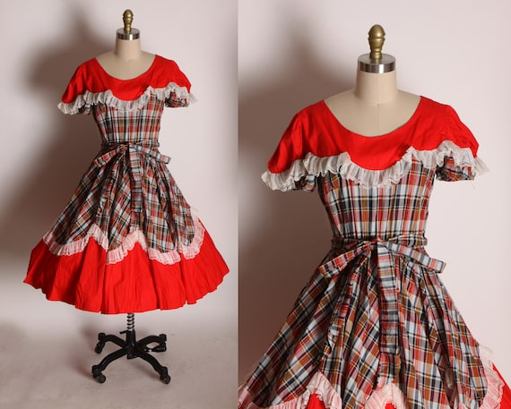 1970s Red, Brown and White Plaid Short Sleeve Ruffle Prairie Western Cottagecore Square Dance Dress -M