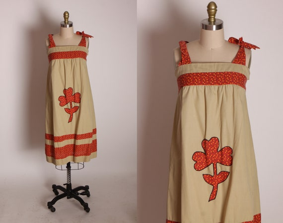 1970s Tan and Red Floral Calico Shoulder Tie Ruched Back Flower Clover Applique Dress