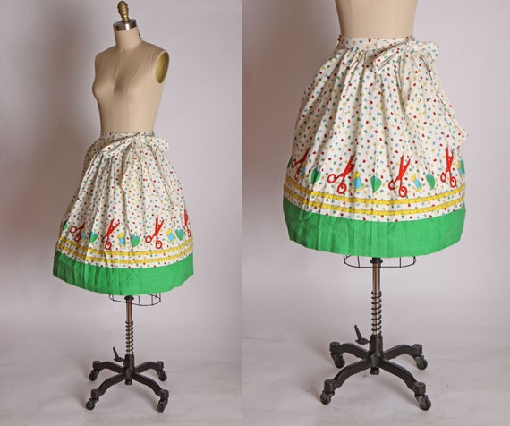 Late 1950s Novelty Print Sewing Seamstress Theme B