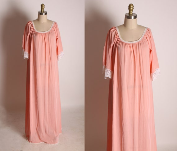 1960s Pink Half Sleeve White Lace Trim Full Length Night Gown -1XL