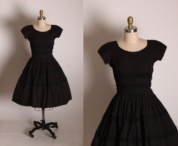 1950s Black Short Sleeve Lace Trim Textured Fabric Fit and Flare Black Dress by Fitchene -S