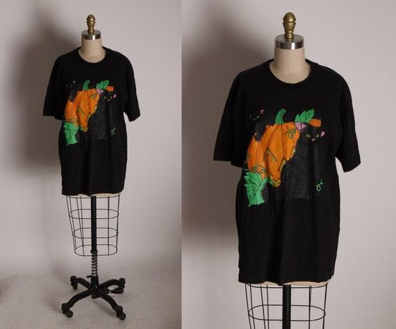 1990s Black, Orange and Green Halloween Jack-O-Lantern Pumpkin and Black Cats Graphic Short Sleeve T-Shirt -L