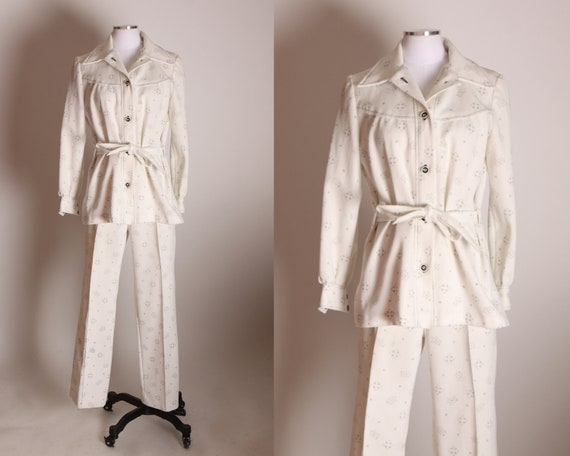 1970s Cream White and Black Floral and Geometric Print Double Knit Polyester Long Sleeve Blazer Jacket with Matching High Waisted Pants Suit