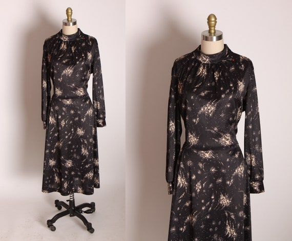 1970s Black and Tan Long Sleeve Celestial Abstract Polyester Dress -L
