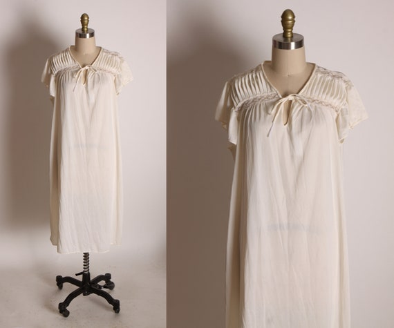 1970s Cream Short Sleeve Tie Bodice Lingerie Night Gown by JCPenney -L