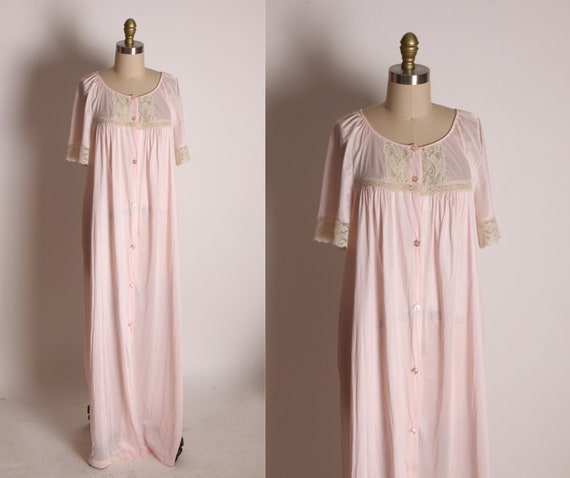 1970s Pink and Cream Short Sleeve Lace Trim Button Up Full Length Night Gown Robe