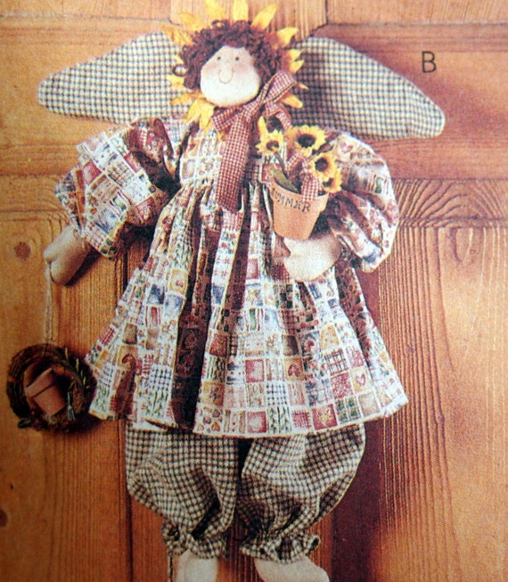 McCalls/ 8508 Crafts Sewing Pattern Bunny Angel Sunflower Scarecrow Seasonal Angels