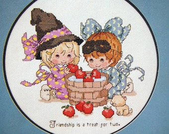 Angelove Life's Little Treasures Vintage Cross Stitch Pattern Booklet 1983