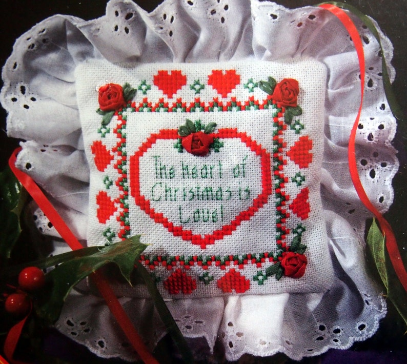 Christmas Sachet By Designs For The Needle Vintage Cross image 0