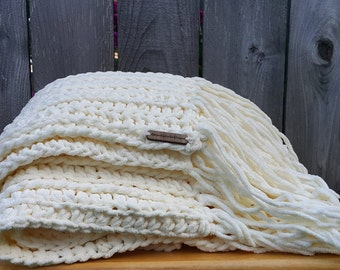 Bulky Knit Blanket | Vintage White Throw | Chunky Blanket | Chunky Throw With Fringe | Off White Blanket | Chunky Knit Throw