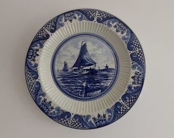 Wall plate hand-painted in delft blue