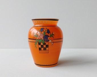 Oranje vaas, decor van bloemen lijnen en stippen, Art Deco.