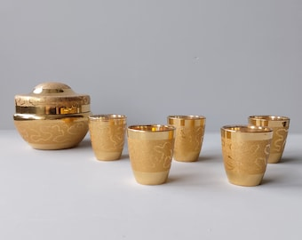 Gold-plated set in jar with lid with five glasses, Laeken glass c1950 Belgium.
