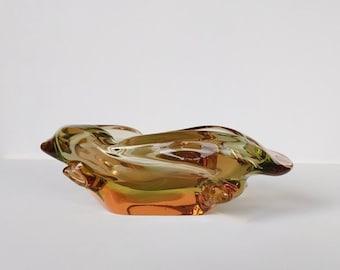 Organische sculptuur in kristal glas, grote Tsjechische asbak.