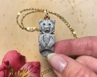 BUTW kodiac grizzly  bear claw 4 1//2 inch resin replica  9600Ax