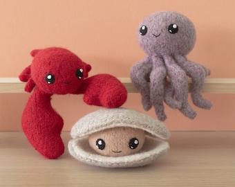 Felted Knit Octopus, Lobster, Clam Amigurumi Knitting Pattern - Surfs Up 1