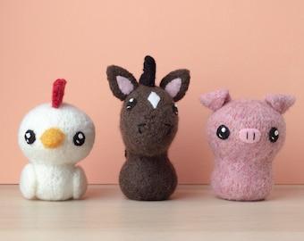 Felted Knit Horse, Pig, Chicken Amigurumi Knitting Pattern - Born in a Barn 1