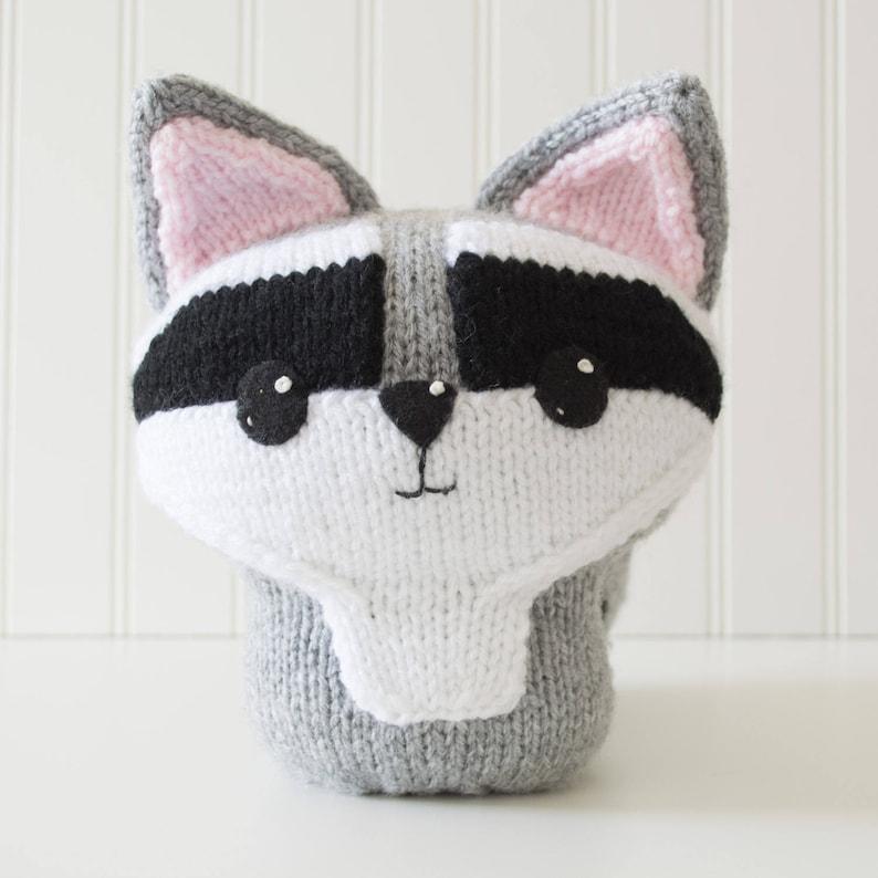 Amigurumi Raccoon Knitting Pattern image 0