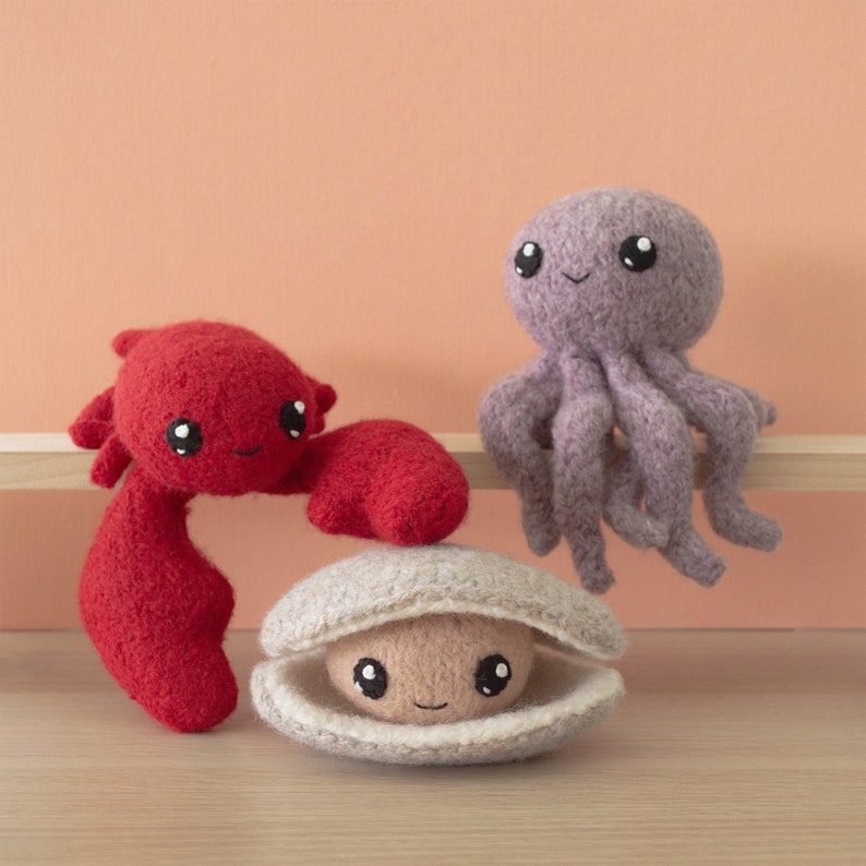 Felted Knit Octopus Lobster Clam Amigurumi Knitting Pattern image 0