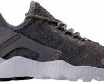 d4176828a1cd Nike Air Huarache ULTRA SE Nike® Air Huarache Ultra - SWAROVSKI® Crystals  Dust Metallic Pewter Black Dus Bling nikes 100% Authentic