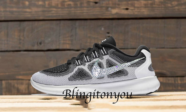 official photos 3ae36 59ad8 Nouvelle Nike Swarovski Limited Edition gratuit RN 2017 Oreo   Etsy